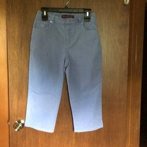 Ladies Capris Periwinkle Blue Size 6!